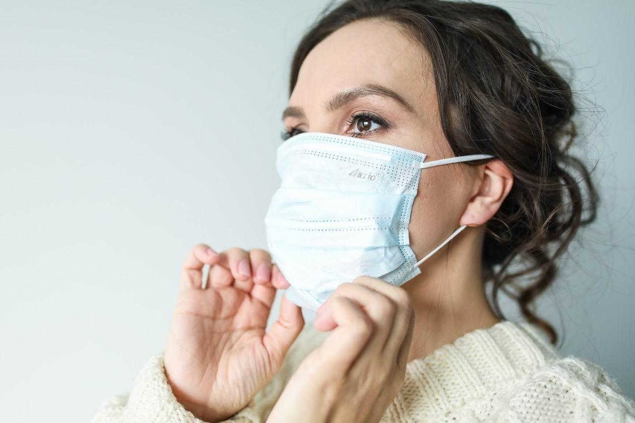 ΠΟΥ: Τι λέει για τις υφασμάτινες μάσκες – Είναι αποτελεσματικές για τα νέα στελέχη κορωνοϊού;