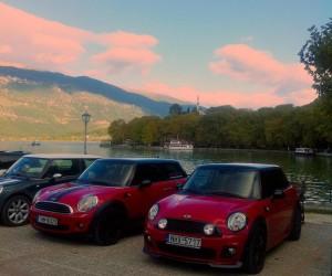 Mini Cooper στη λίμνη Παμβώτιδα
