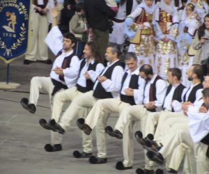 Μαθήματα παραδοσιακών χορών από το Σύλλογο Λούτσας