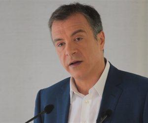 """Σταύρος Θεοδωράκης: """"O κ. Τσίπρας θέλει να μείνει μόνος του με τον κ. Σόιμπλε"""""""