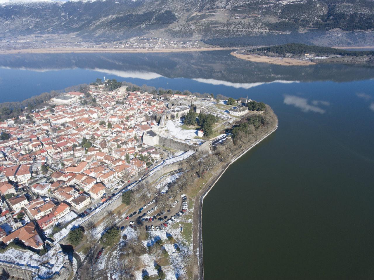Χρόνια πολλά – Καλά Χριστούγεννα σε όλους από την Epirus News