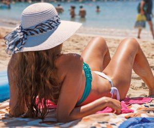 Υπουργείο Υγείας: Σε αυτές τις παραλίες απαγορεύεται το κολύμπι λόγω της πετρελαιοκηλίδας