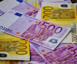 Εξαρθρώθηκε κύκλωμα που εξαπατούσε οφειλέτες «κόκκινων» δανείων